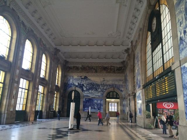 Porto train station